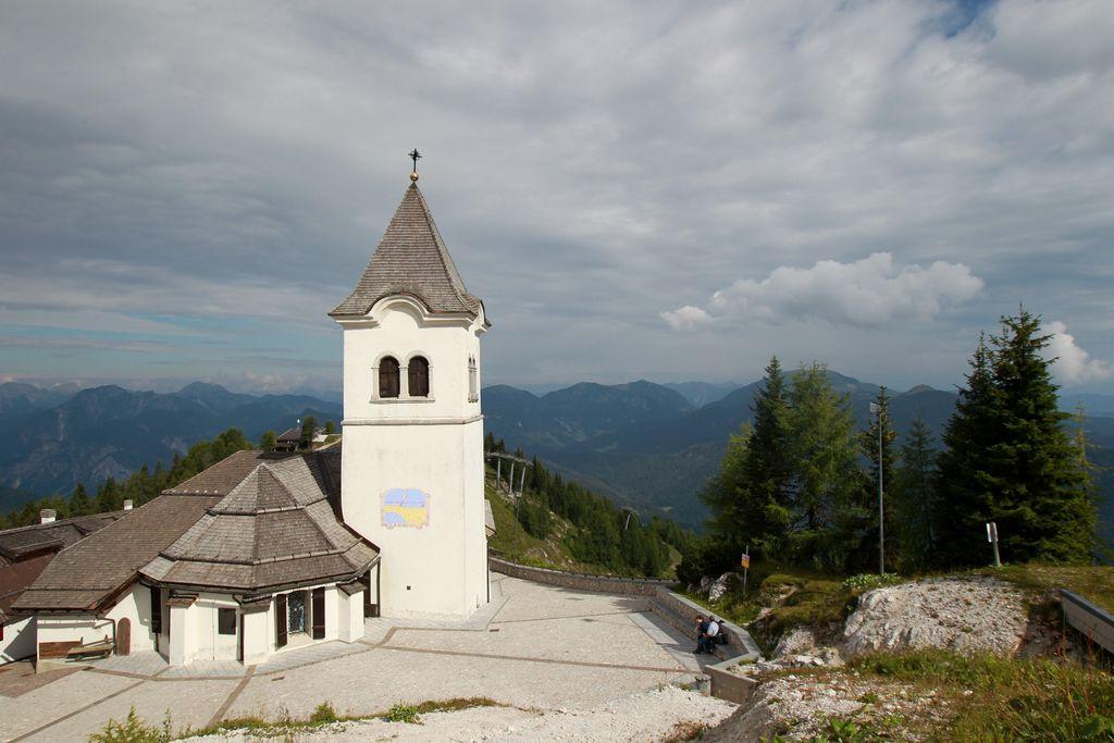 Na romanju treh Slovenij več kot 1500 ljudi