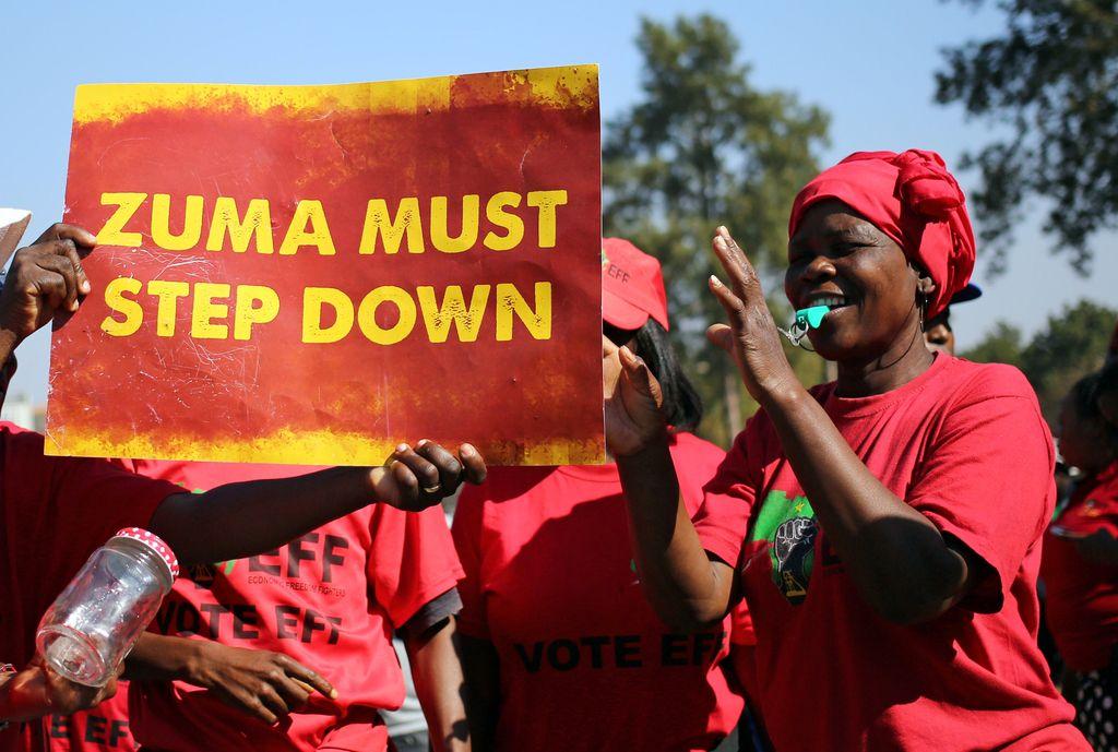 Zuma preživel že osmo glasovanje o nezaupnici