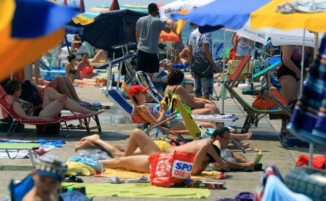Turizem v Piranu 09.julija 2016 [Slovenija,Piran,mesta,obala,Primorska,Piranski zaliv,turizem,morje]