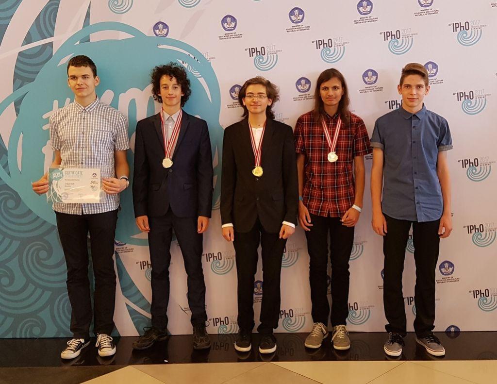 Uspehi slovenskih dijakov na znanstvenih tekmovanjih