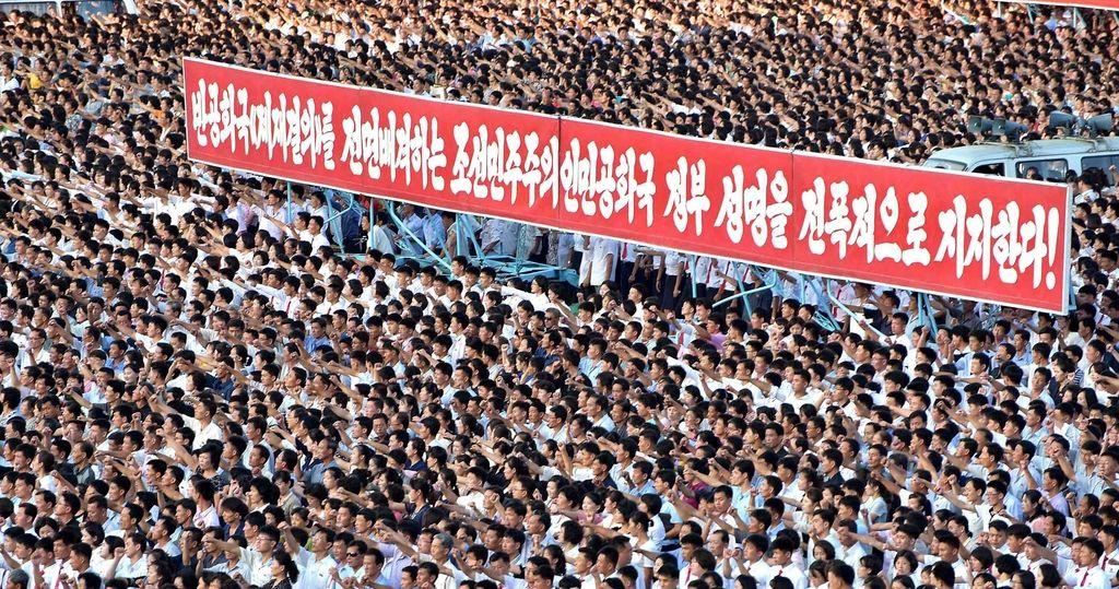 Severna Koreja načrt o napadu na Guam obljublja do sredine avgusta
