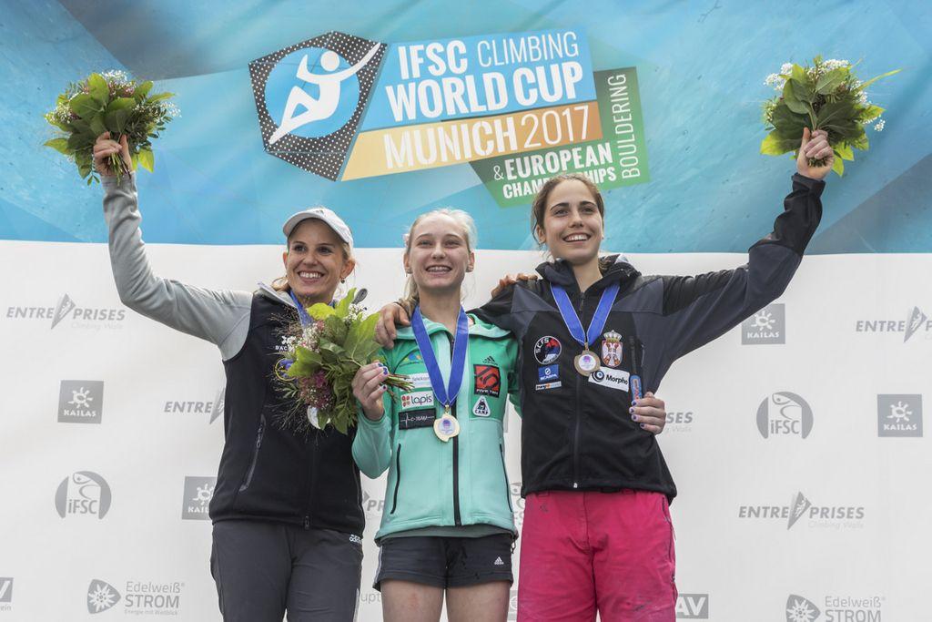 Plezalka Janja Garnbret zlata in srebrna na evropskem prvenstvu