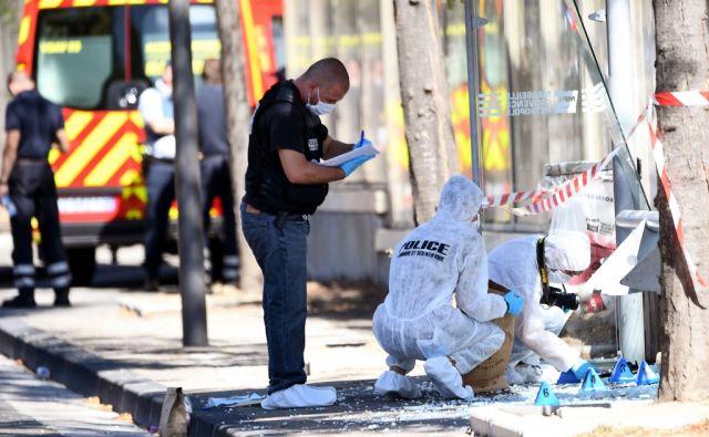 TOPSHOT-FRANCE-POLICE-CRASH