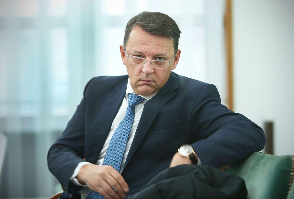 Anton Rop zapustil EIB, zdaj bo z njo služil