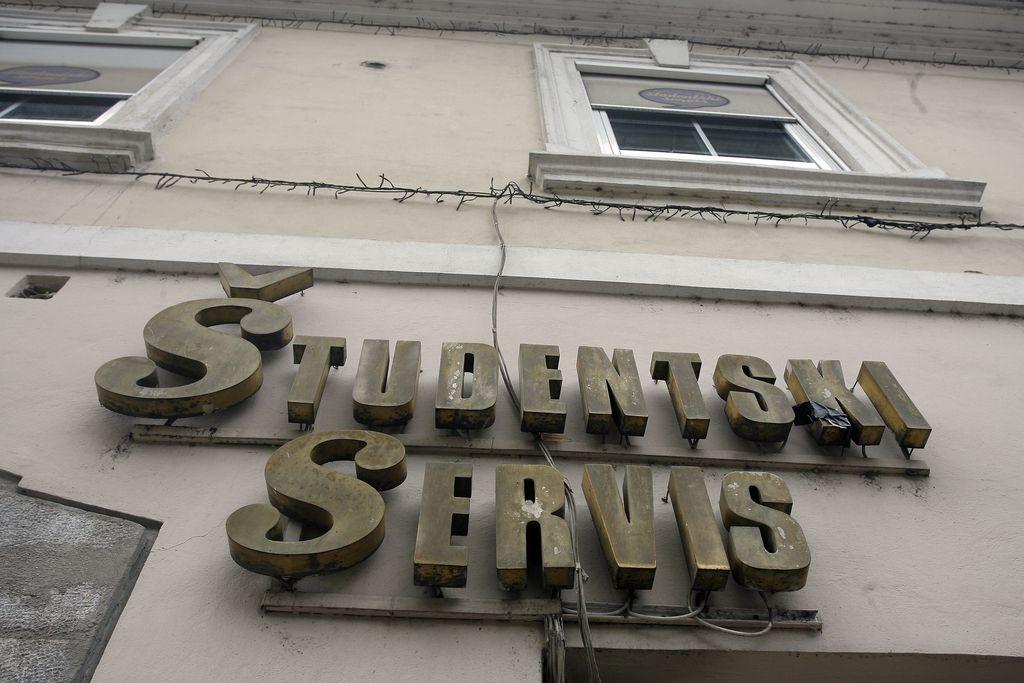 Študentov je manj, davki zanje previsoki