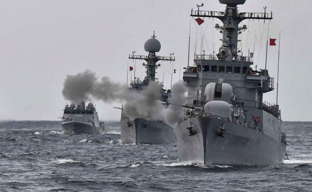 TOPSHOT-SKorea-NKorea-nuclear-missile-navy-armament-defence