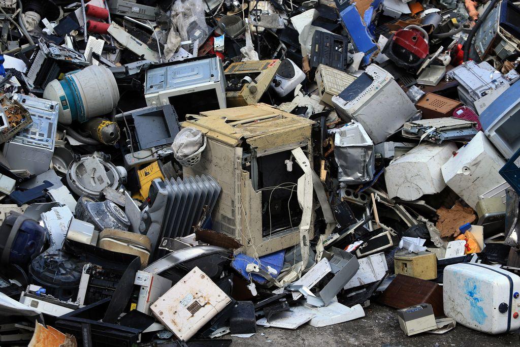 Splet okoliščin in človeška napaka glavni izgovori za nezakonit izvoz odpadkov