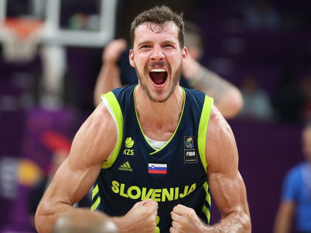 Goran Dragić  Full commitment is the only thing I ve known throughout my  career. I do not know any other way. 670f3a717