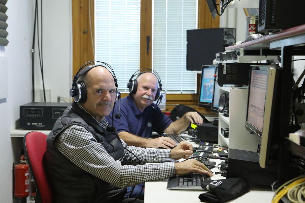 Med radioamaterji so tudi predsedniki in kralji