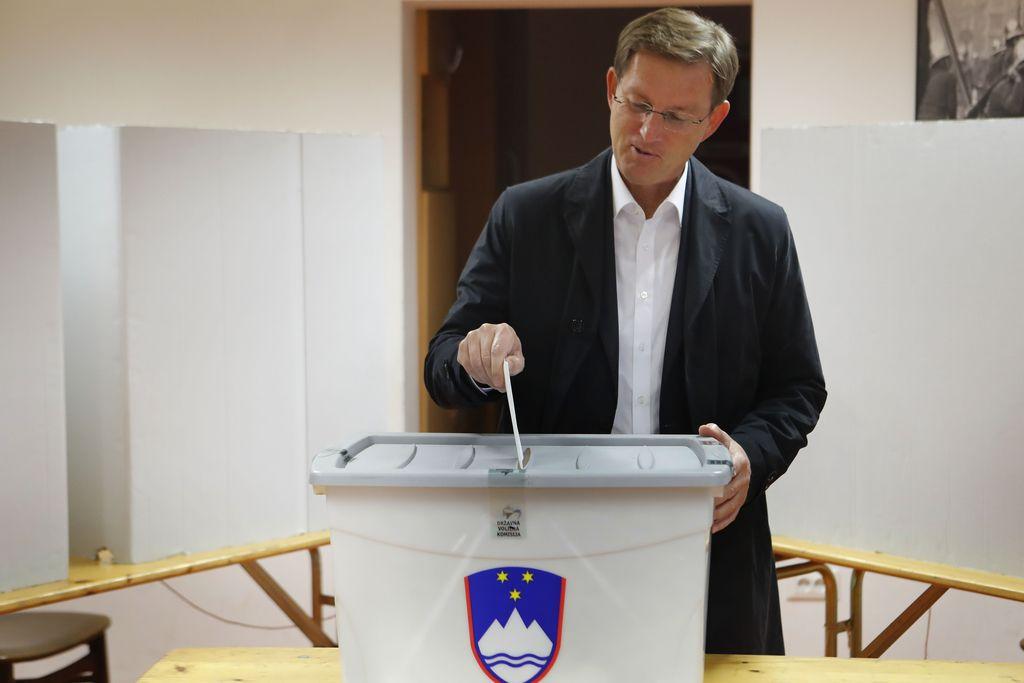 Cerar: Volivci imajo dovolj političnih igric