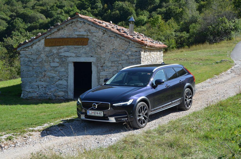 Preizkusili smo: Volvo V90 CC T6 pro AWD A
