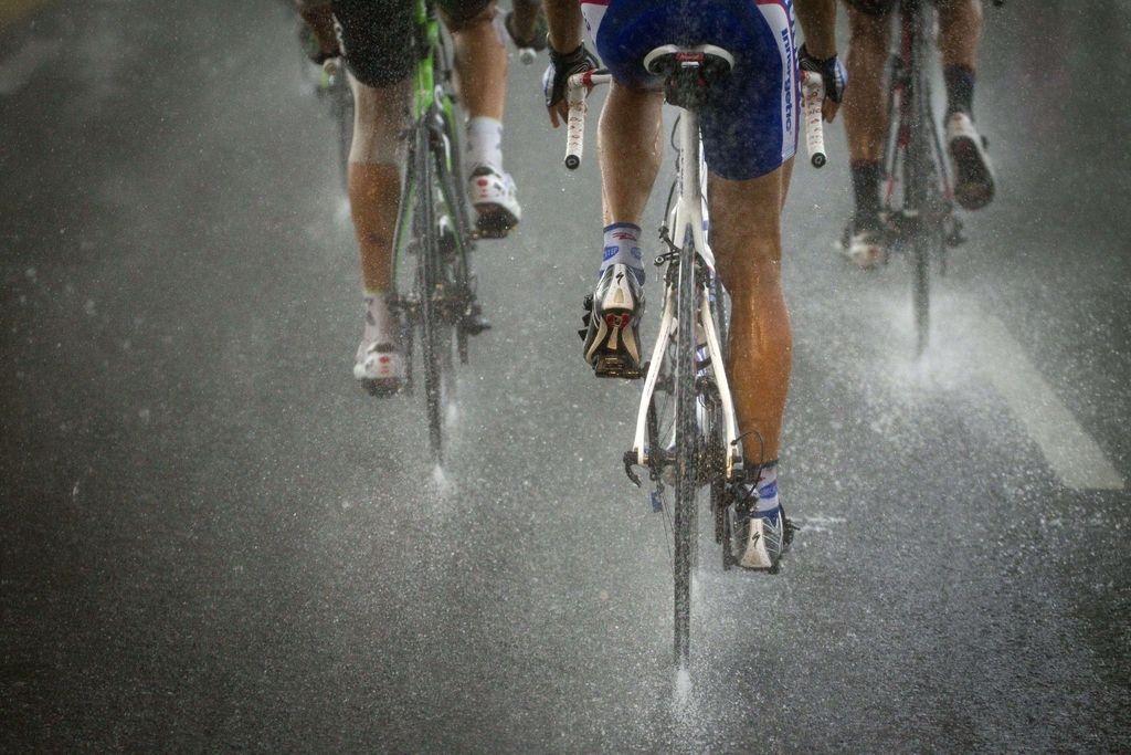 Kitajski kolesar bo drago plačal za napad (VIDEO)
