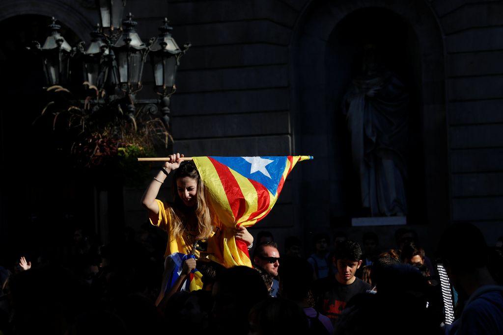 Razglašena je Republika Katalonija