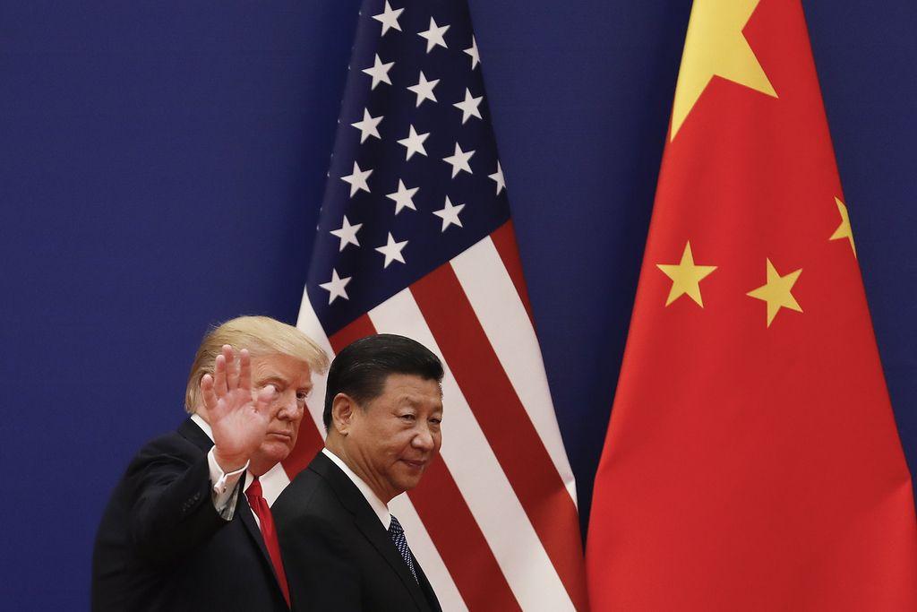 Trumpovo pihanje na kitajsko dušo