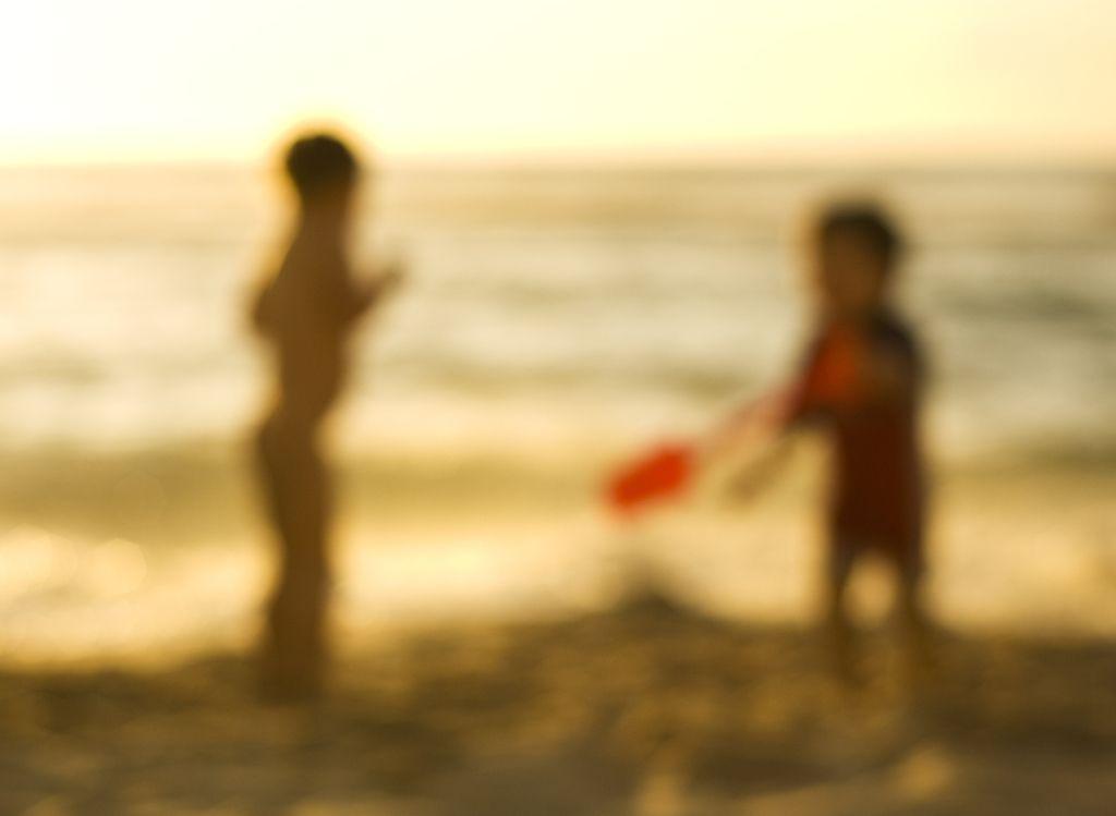 Bodi varen: Starši, ali slika vašega otroka res spada na splet?