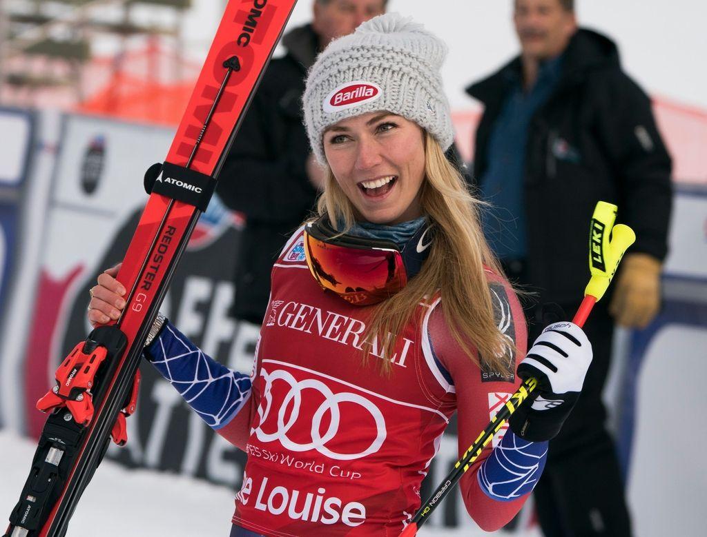 Slalomistka nad smukačice