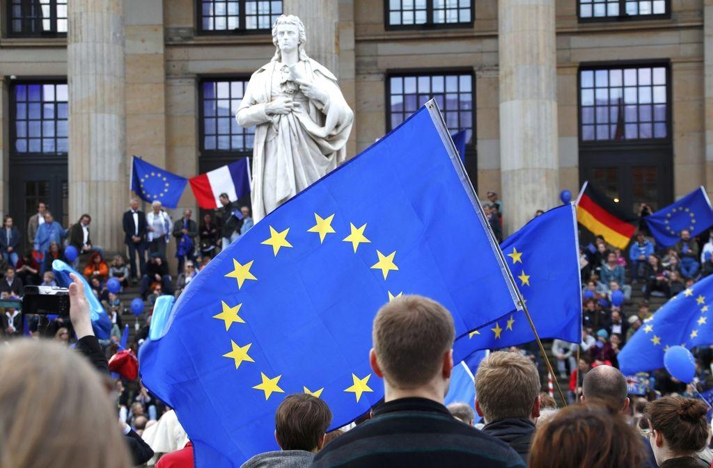 Bo EU danes le dobila črno listo davčnih oaz?