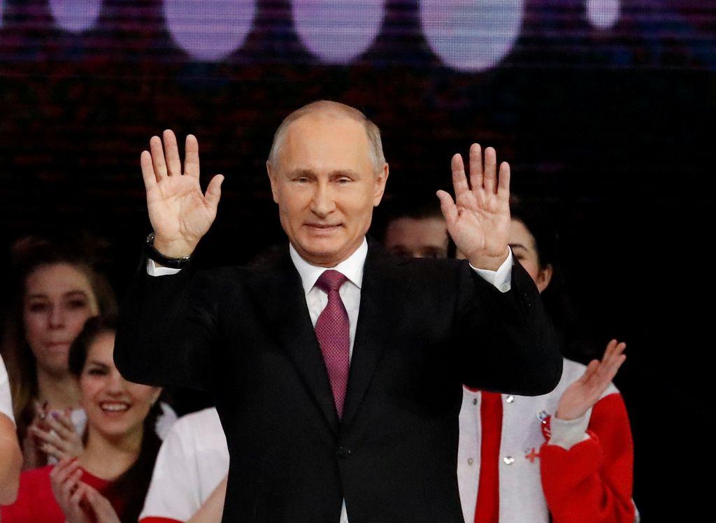 Putin: Rusi lahko nastopajo pod mednarodno zastavo!