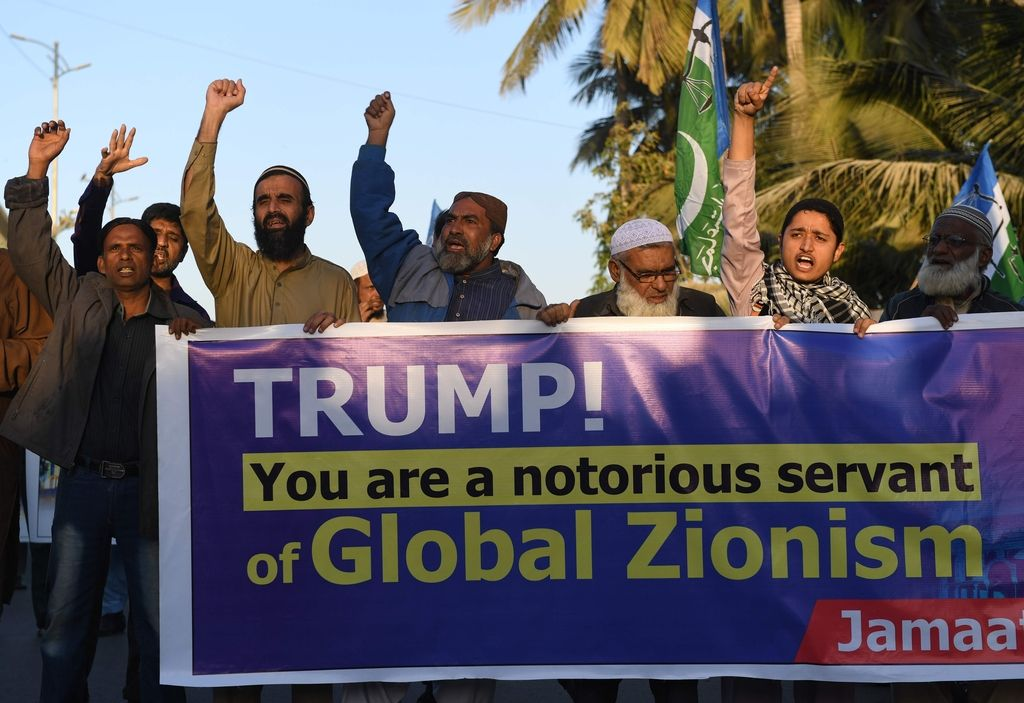 V protestih na palestinskih območjih več poškodovanih