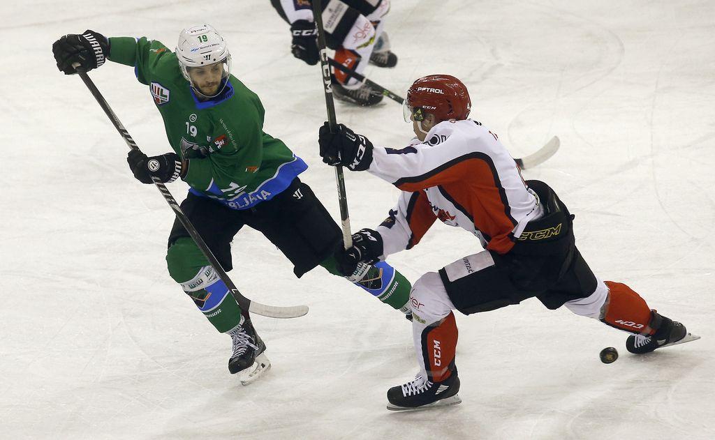 Hokejisti Olimpije ugnali Jesenice