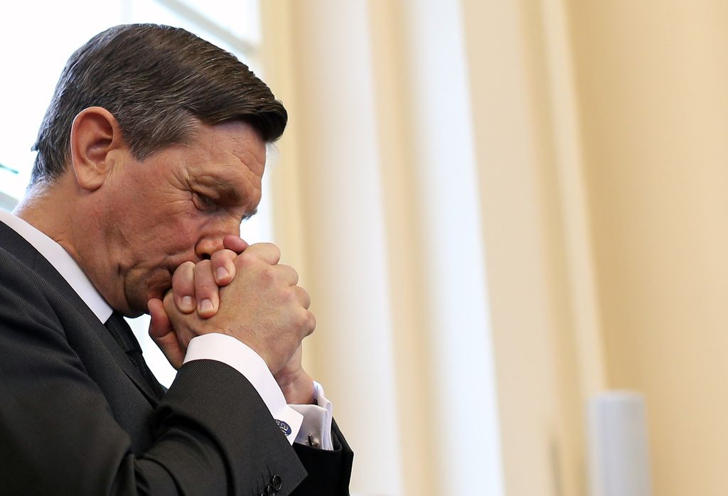 Ceremonial pred predsedniško palačo naznanil začetek drugega Pahorjevega mandata
