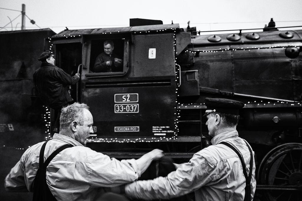 Vozi me vlak v preteklost