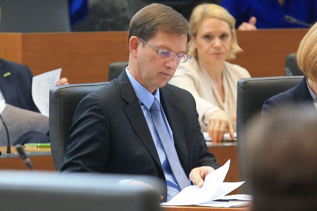 Pri izletih ministrov se je spet pokazala Cerarjeva neizkušenost
