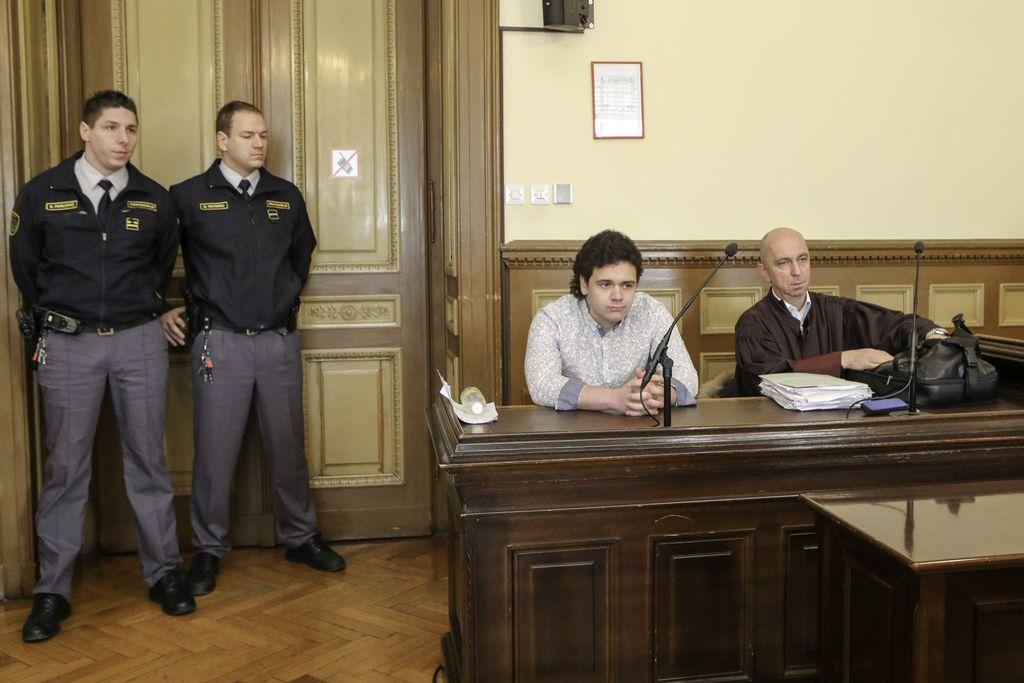 Ko o intimnostih sodi vsa Slovenija