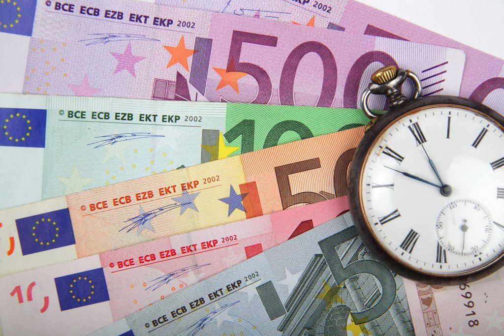Surs: Slovenija lani prvič po 22 letih s proračunskim presežkom