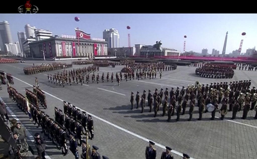 Severna Koreja pripravila vojaško parado