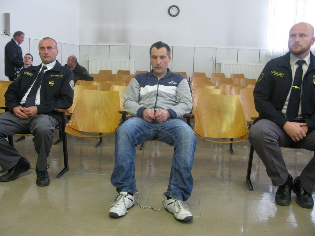 Domnevni morilec pričam iz Bosne še ni prisluhnil