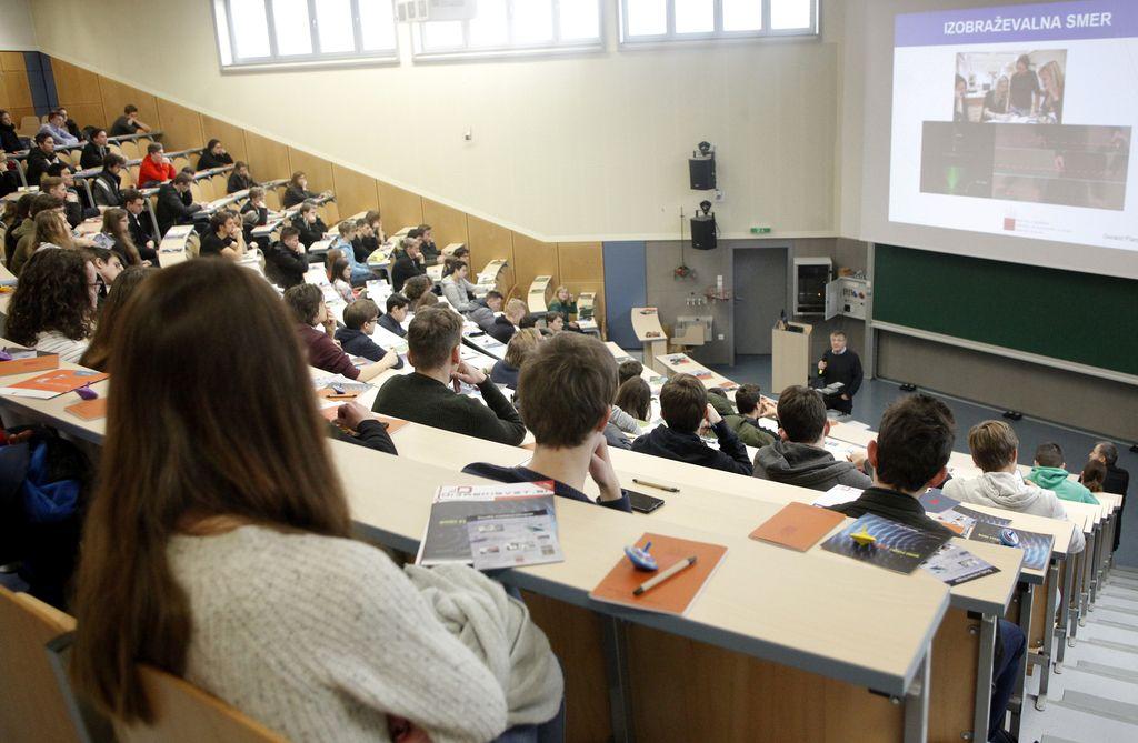 Informativni dnevi napolnili fakultete in srednje šole