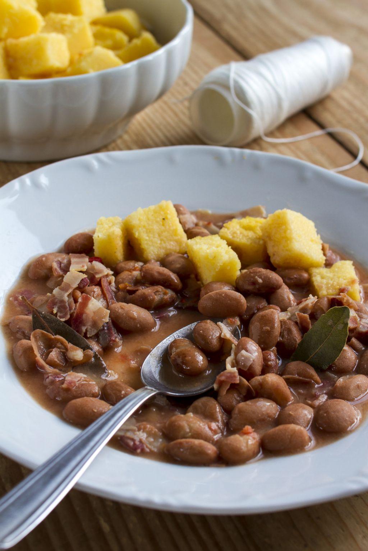 Ponedeljkov namig za kosilo: Pečen fižol s panceto