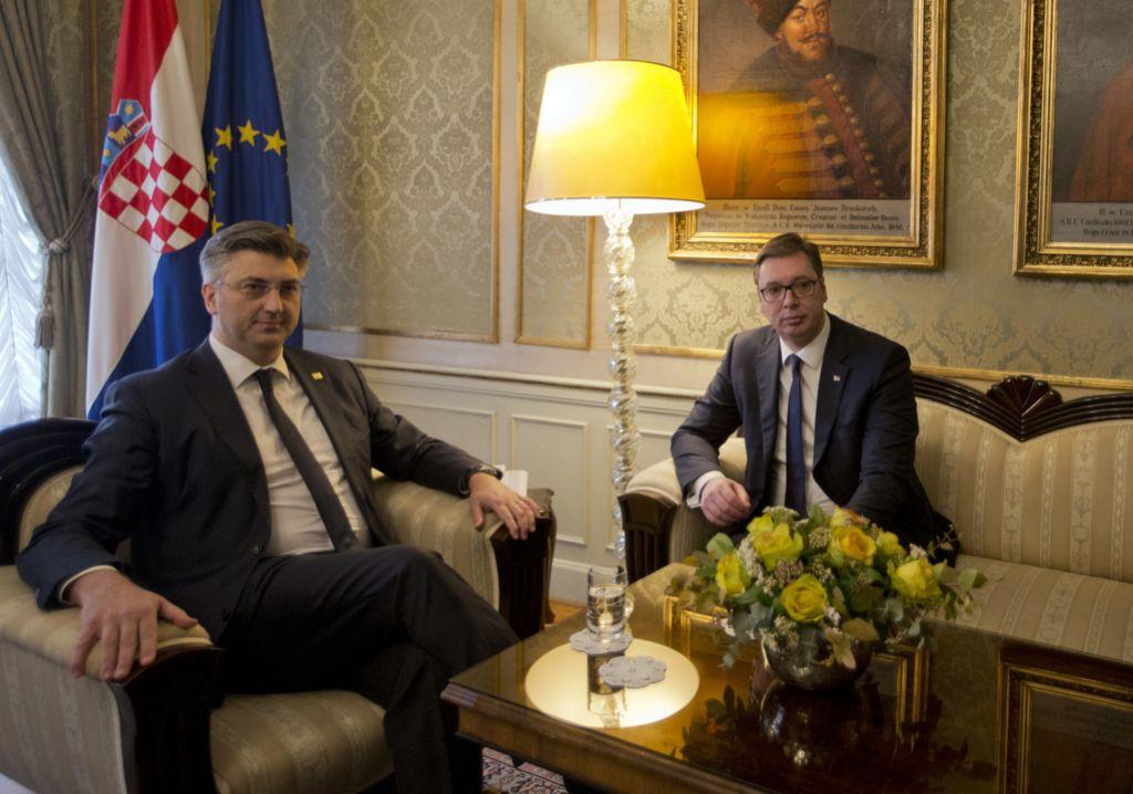 Vučić obiskal srbsko manjšino na Hrvaškem