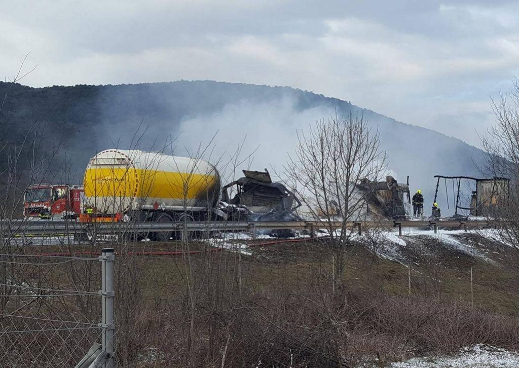 Zagorela cisterna, avtocesta Gabrk–Fernetiči ponovno odprta