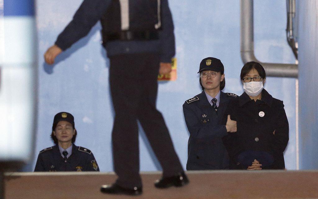 Južnokorejsko veliko čiščenje: desnica v razsulu
