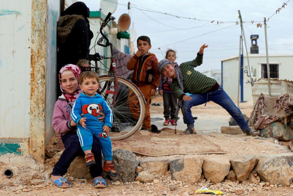Vsak šesti otrok na svetu je žrtev vojne