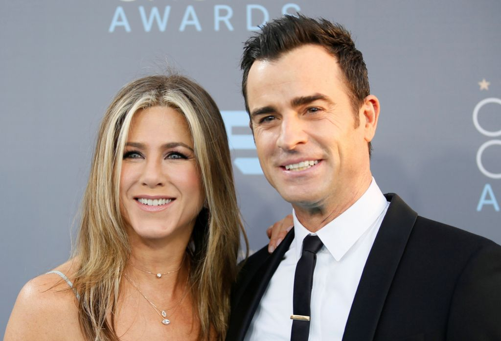 Jennifer Aniston in Justin Theroux bosta raje prijatelja