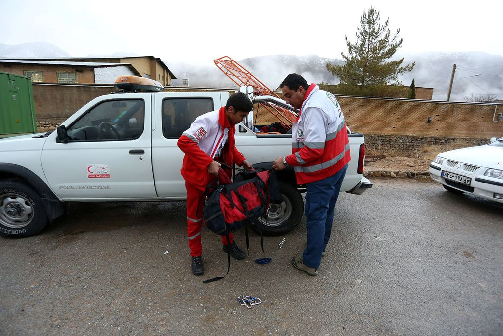 Reševalci nadaljujejo iskanje iranskega letala