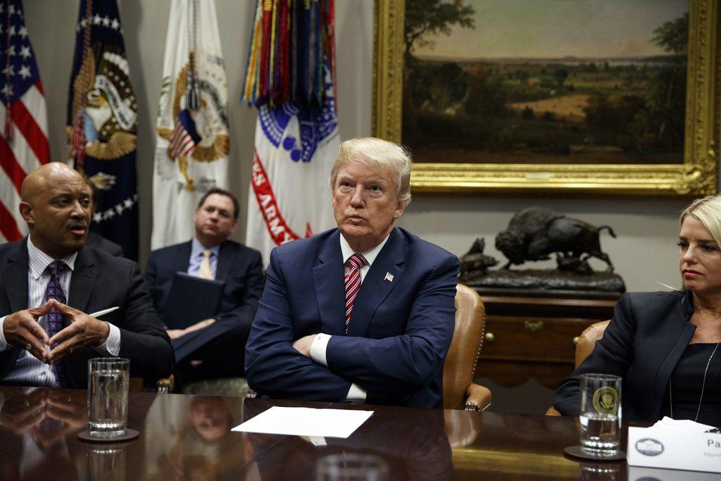 Kaj bo prinesla Trumpova medcelinska raketa