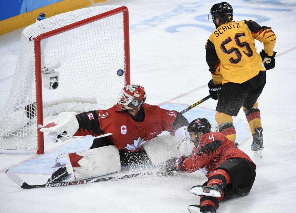 Nogometno Nemčijo zajel hokejski val