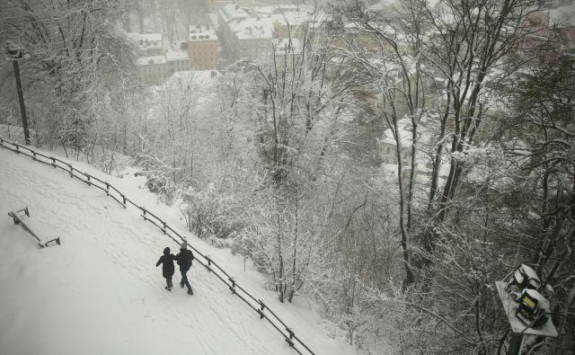 jer Sneg, zima, motivi