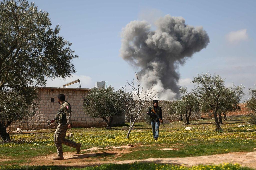 V turških napadih v Afrinu več deset mrtvih