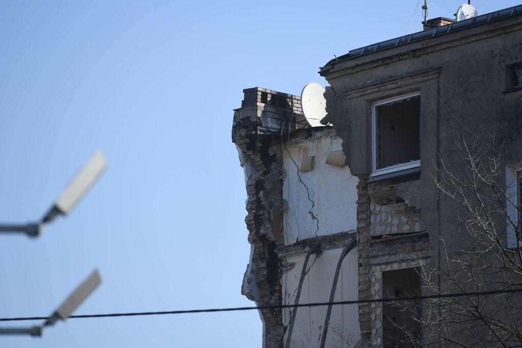 Več mrtvih v zrušenju hiše na Poljskem