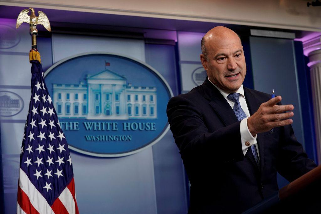 Trumpa zapustil tudi gospodarski svetovalec Cohn