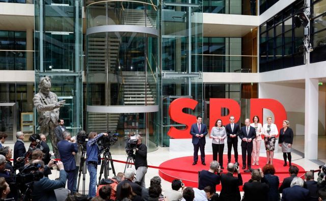 CORRECTION-GERMANY-POLITICS-PARTIES-SPD-GOVERNMENT