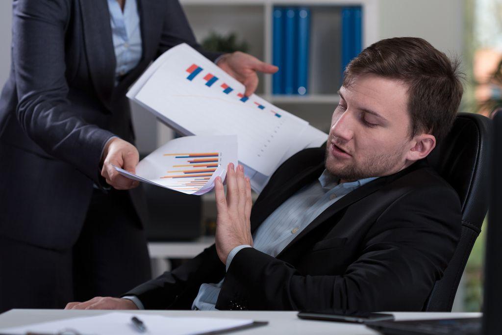 Naloženo delo ni trpinčenje zaposlenega