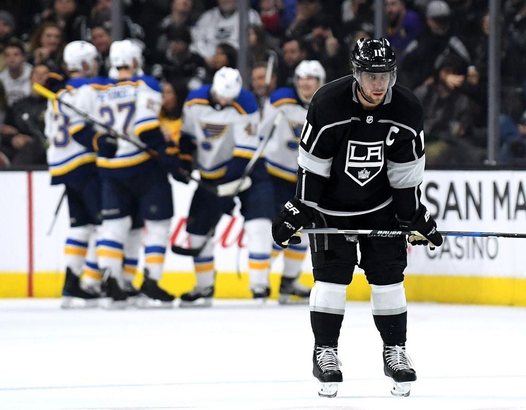 NHL: najhujši poraz Kraljev v sezoni, novi dve podaji Kopitarja (VIDEO)