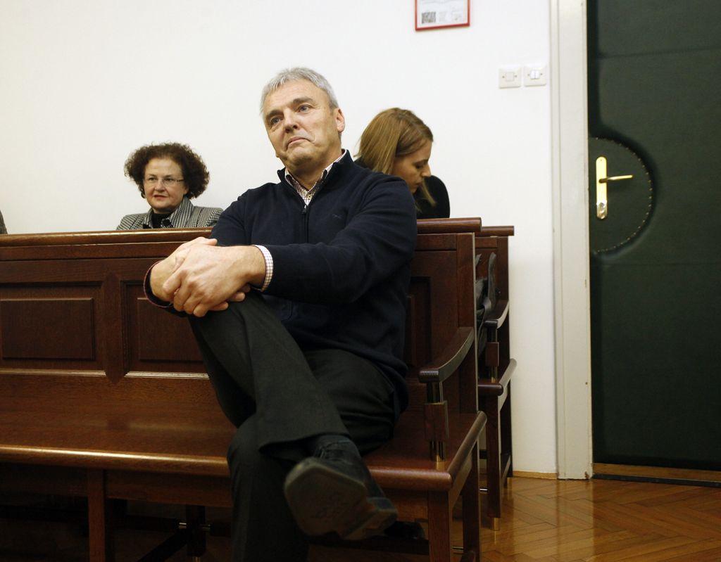 Zoper Simoniča vložena nova obtožba