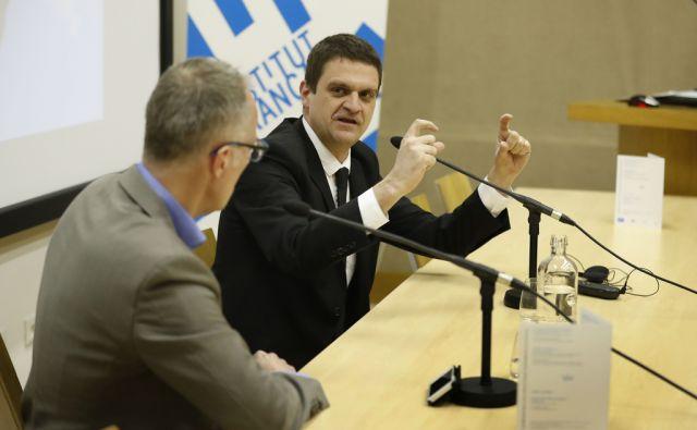Ali imamo šport še lahko radi? Pogovor med Igor E. Bergant in Grégory Schneider. Ljubljana, 14. marec 2018 [Igor Bergant,Grégory Schneider,pogovori,Ljubljana]